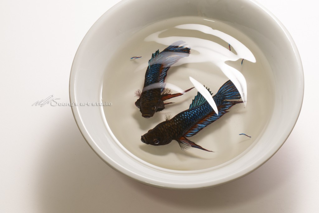 Fighting betta in the  bowl (Acrylic on Resin)