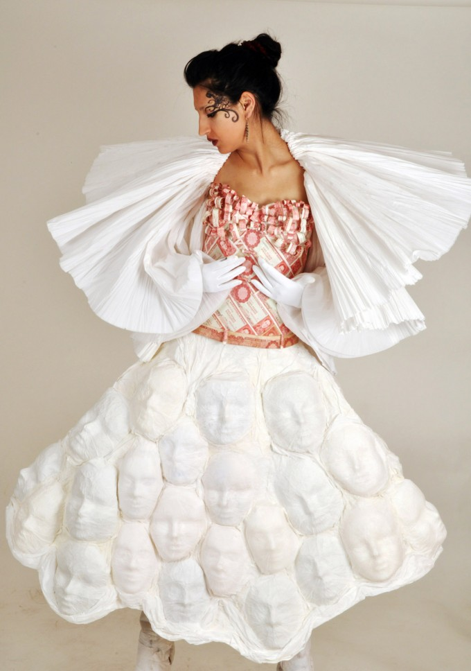 Costume inspired by the bicentenary of La Paz city