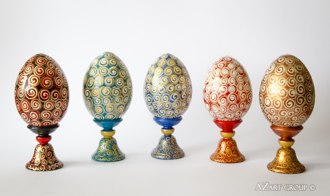 Five Awesome Eggs Each size: 10 cm Material: wood, acrylic Designer: Andrey Zinchuk