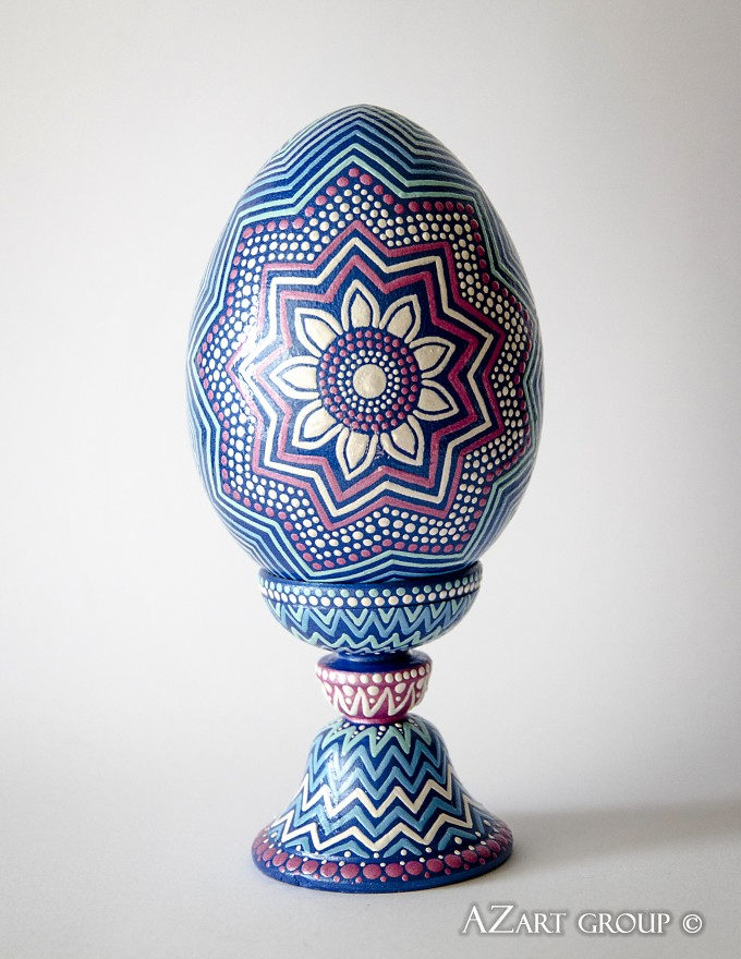Pysanka 'Echo of Rainbow'. Decorative interior egg. Size: 15 cm ( +8 cm egg-cup) = 23 cm Material: wood, acrylic Designer: Andrey Zinchuk