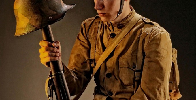 I am a single infantry soldier (doughboy) of the 91st American division. My uniform is a 1910 model. my division participated in the offensive of st-mihiel in September 1918 which resulted in the expulsion of German troops from the French border to the other side of the Scheldt, 12 days before the end of the war.