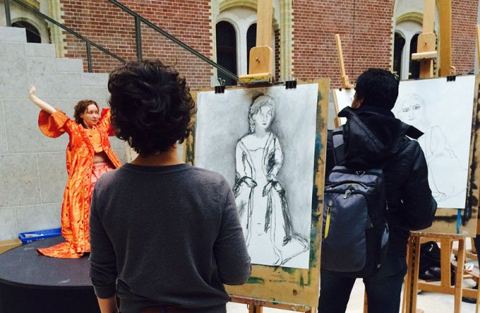 7museum-visitors-draw-artwork-start-drawing-rijksmuseum-7