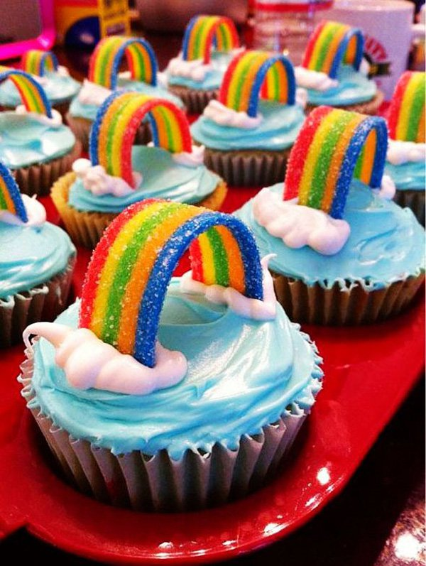 rainbow-cupcakes-for-christmas-creative-food-ideas-christmas-rainbow-cupcakes