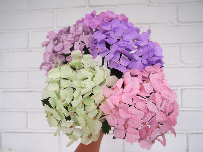 Paper hydrangeas are good to see, but very torture in making.