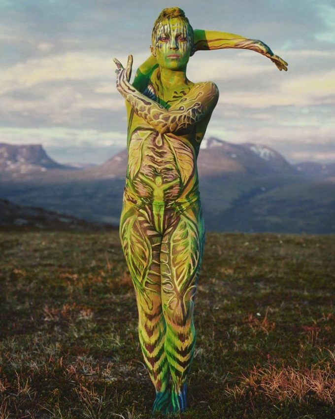 "Bodypaint, Photogaphy - Vilija Vitkute Model/Dancer - Linnea Sundlig Element ""Earth"" Location - Abisko"