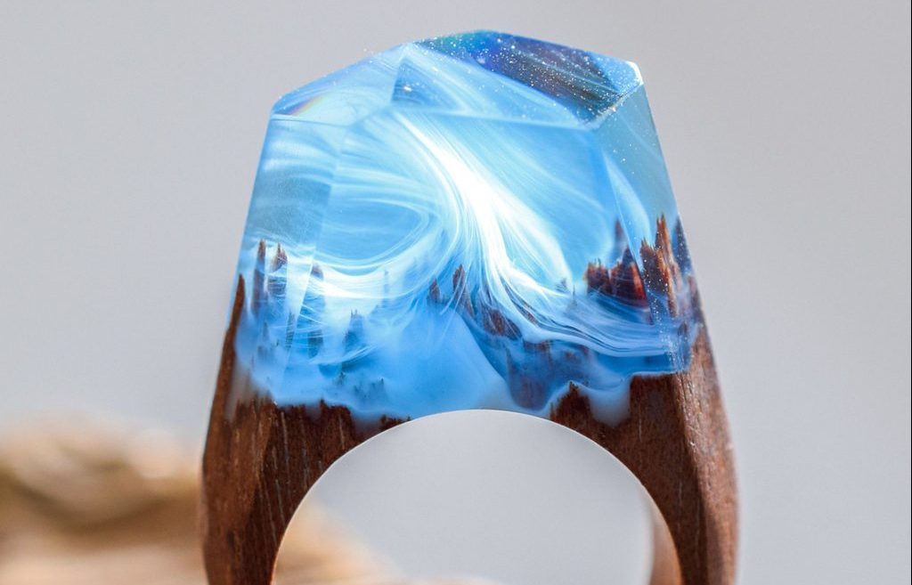 Mystery inside your ring.#artpeople
