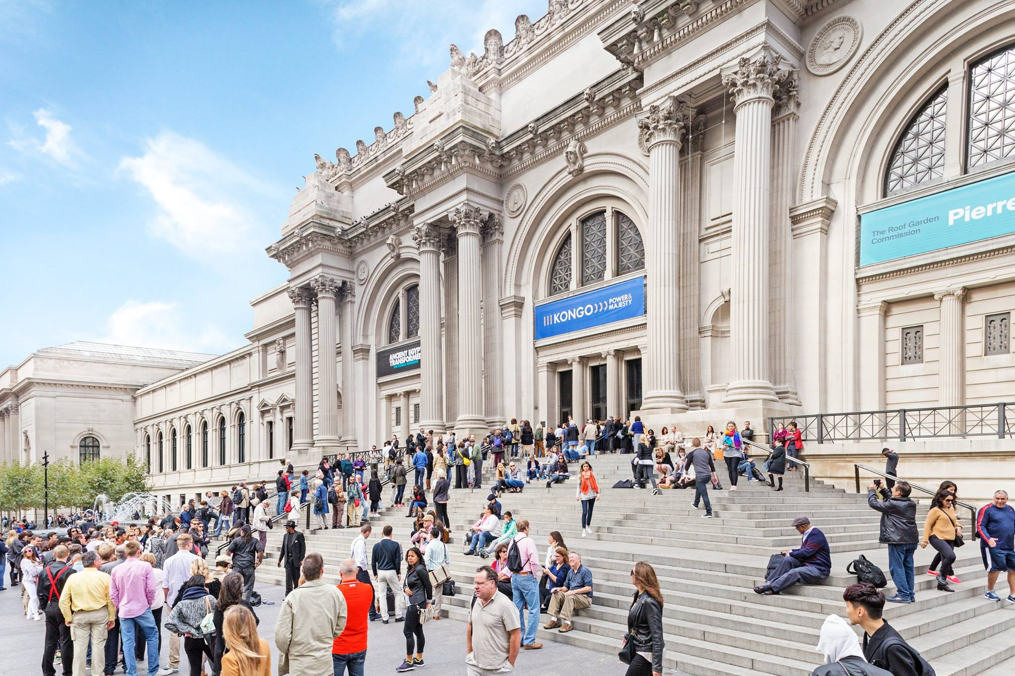 Metropolitan museum of art put 375 000 artworks in the for Metropolitan mueseum of art