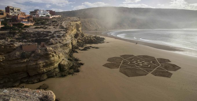 beach art, Marocco, Arabic design
