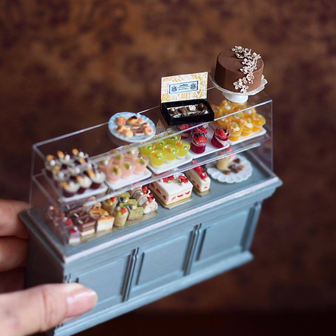 Miniature Antique Dollhouse Furniture by Japanese Artist ...