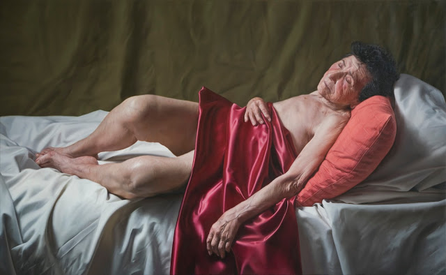 Artist Javier Arizabalo Garcia Creates Stunning Hyper-Realistic Paintings